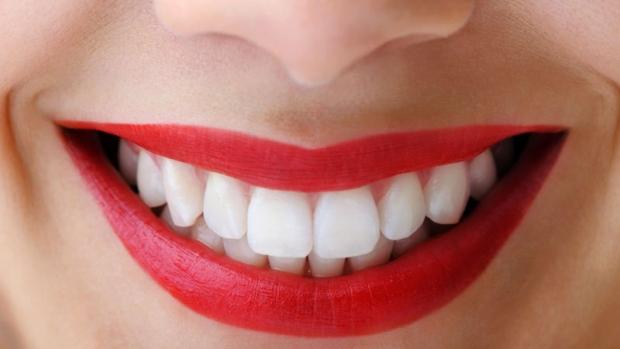 Cosmetica dentara: 4 pasi pentru a obtine zambetul PERFECT
