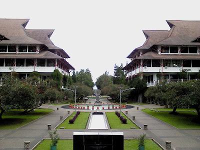 Perguruan Tinggi Terbaik di Indonesia ITB
