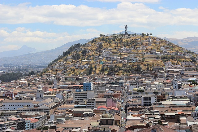 Essential Health Information for Travelers to Quito: How to Stay Safe