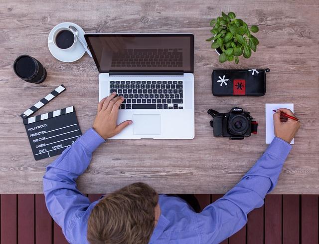 Teknik dan Cara Menulis Berita Jurnalistik yang Baik dan Benar