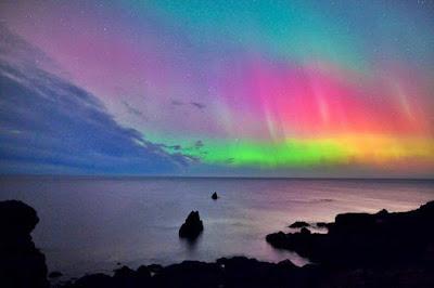 Cielo capodanno 2018 colorato da tempesta magnetica