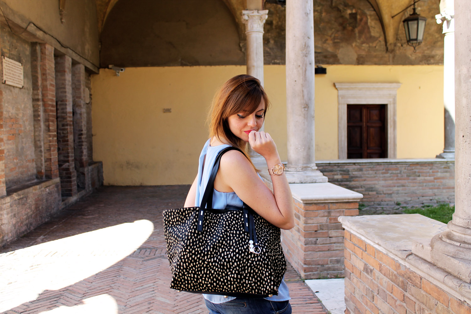 Francesca-Focarini-fashion-blogger-shopping-bag-leather