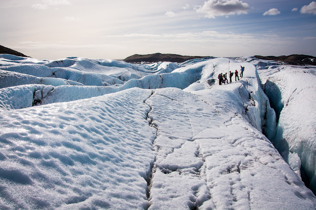 Τεράστιος κρατήρας μεγαλύτερος σε μέγεθος από το Παρίσι ανακαλύφθηκε κάτω από τους πάγους της Γροιλανδίας (βίντεο)