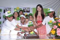 Actress Prachi Desai supporting the 'Choone Do Aasman' campaign of Smile Foundation