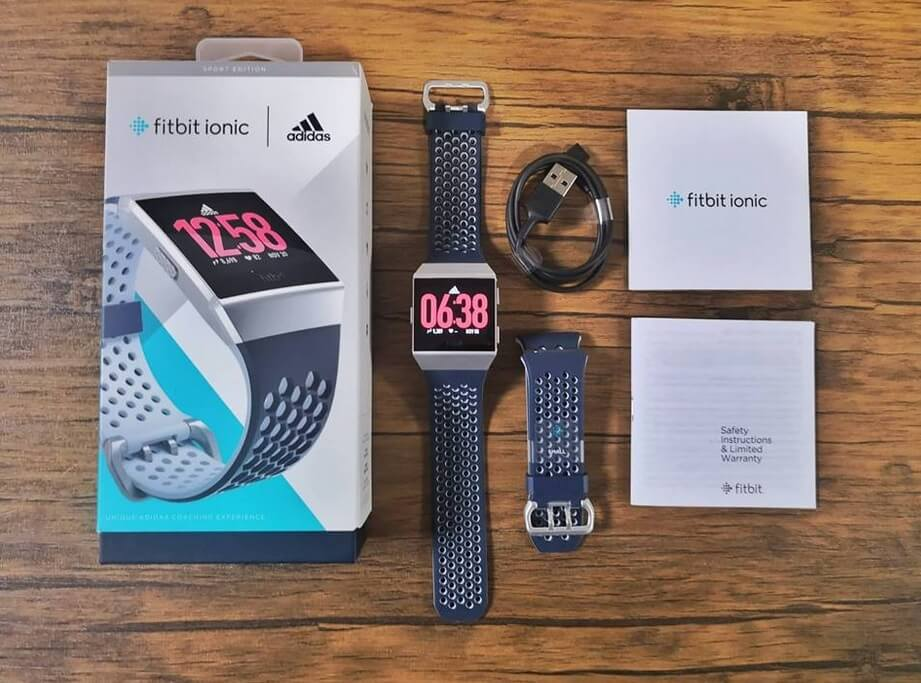 Fitbit Ionic Adidas Edition Retail Package