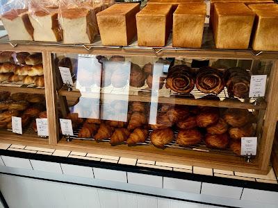 三軒茶屋にあるトリュフベーカリーの食パンやクロワッサン