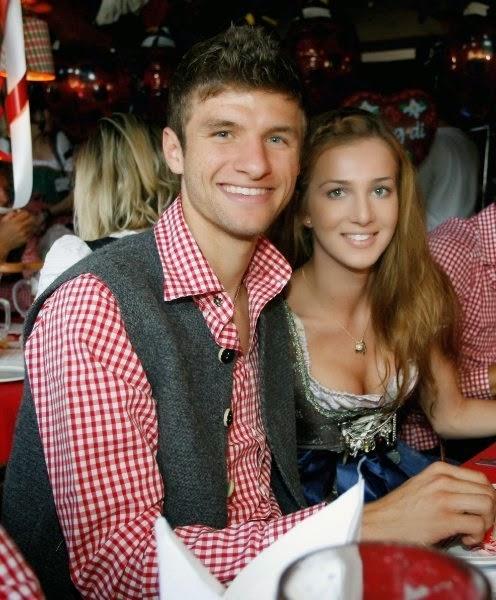 bayern munich football players wife and girlfriend