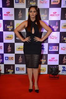 Neetu Chandra Pictures in Black Short Dress at Mirchi Music Awards 2016 ~ Celebs Next