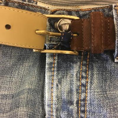 pequeña trabilla pantalones