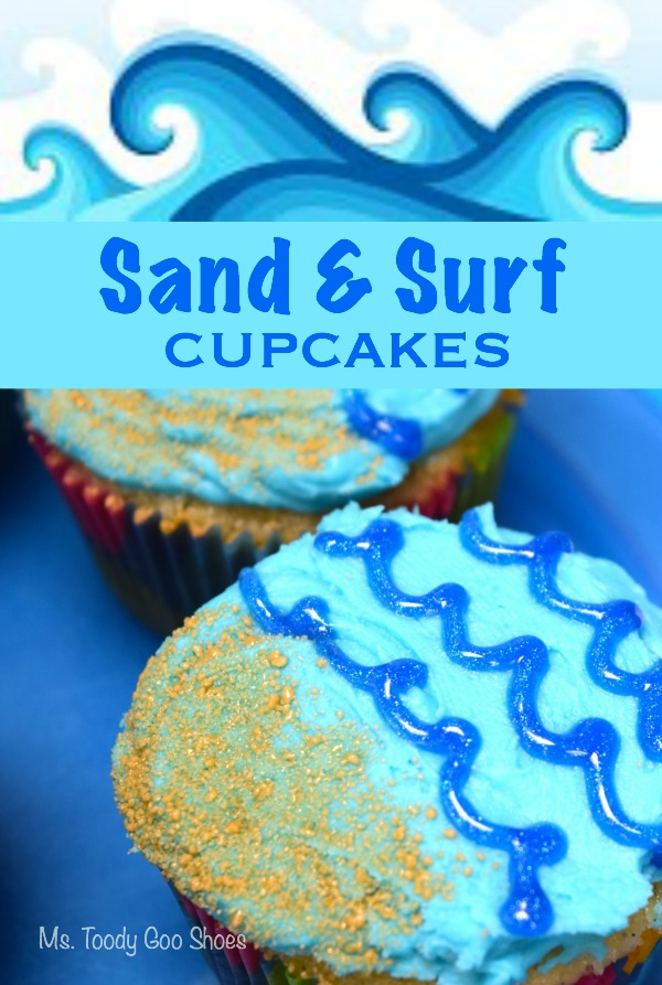 Sand & Surf Cupcakes: So perfect for a summer BBQ or beach-theme party! | Ms. Toody Goo Shoes
