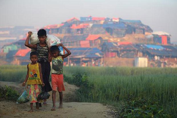 300 Tempat Pengungsian Muslim Rohingya Dilanda Banjir