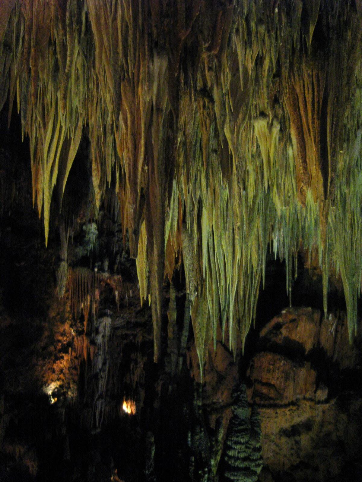 Interior de la Cueva de Valporquero