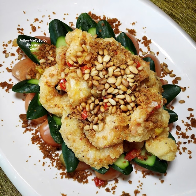 CRYSTAL PRAWN MEAT WITH GOLDEN SAND & PINE NUTS