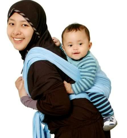 Menggendong Bayi (Ilustrasi)