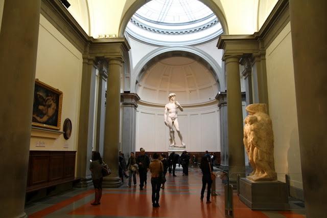 Ingressos para o tour pela Galeria Accademia em Florença