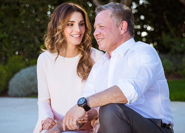 King Abdullah and Rania al-Yassin were married at Zahran Palace in Amman