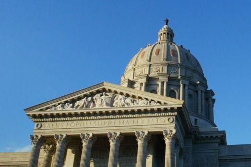 Nueva Ley reducirá salario mínimo en San Luis, EE.UU.