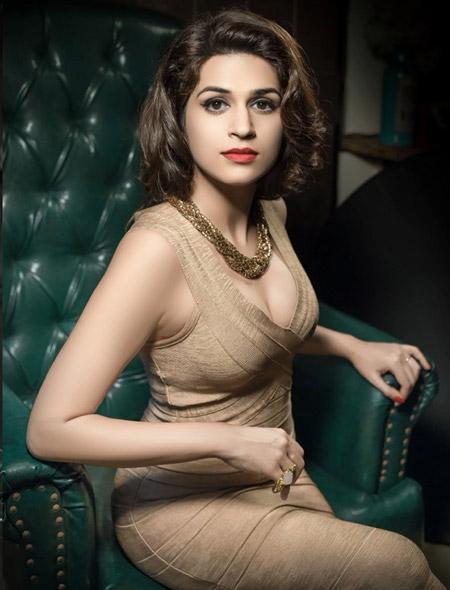 Shraddha Das Hot PhotoShoot
