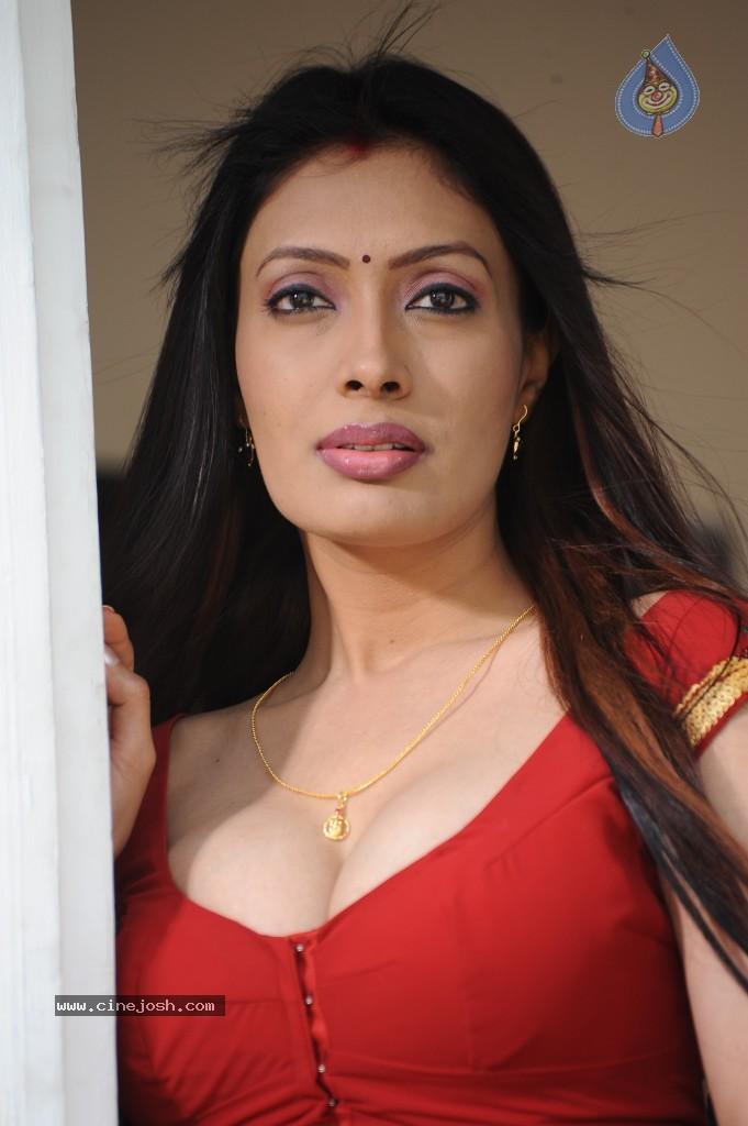 Desigirlsarehot So Hot Desi Girl In Red Saree-8294