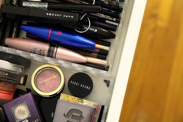 How to Keep Your Makeup Collection to Must-Haves