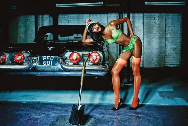 Valentines-Day-Lingerie-Agent-Provocateur-Naomi-Campbell-1