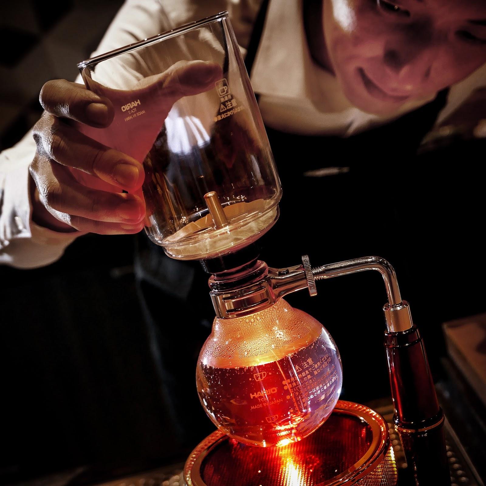 Starbucks Coffee Siphon brewing method