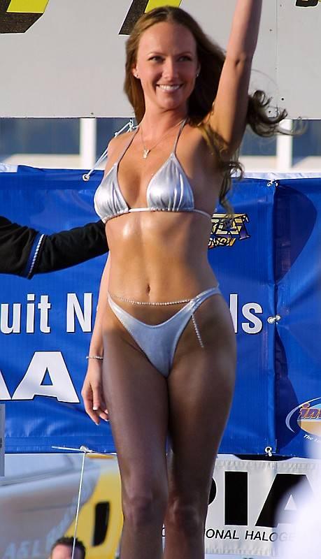 Bikini girl nopi