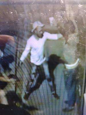 Hombres armados atracan a comerciante en su residencia
