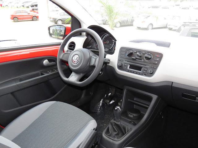 Volkswagen Up! TSI 2017 - interior - painel
