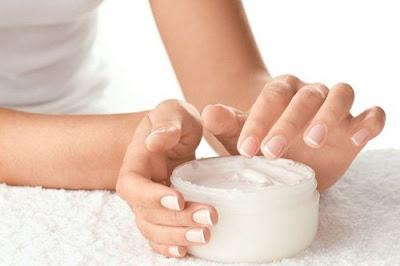 Masque capillaire hydratant et nourrissant fait maison pour cheveux secs