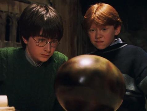 Harry (Daniel Radcliffe) y Ron (Rupert Grint) en Harry Potter y la Piedra Filosofal - Cine de Escritor