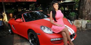 Mobil Mewah Julia Perez