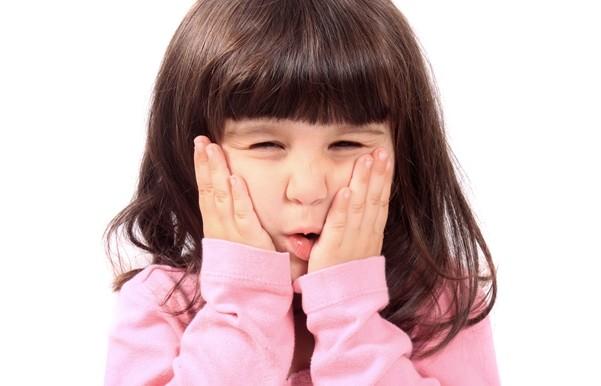 Mengobati Sakit Gigi Berlubang Pada Anak