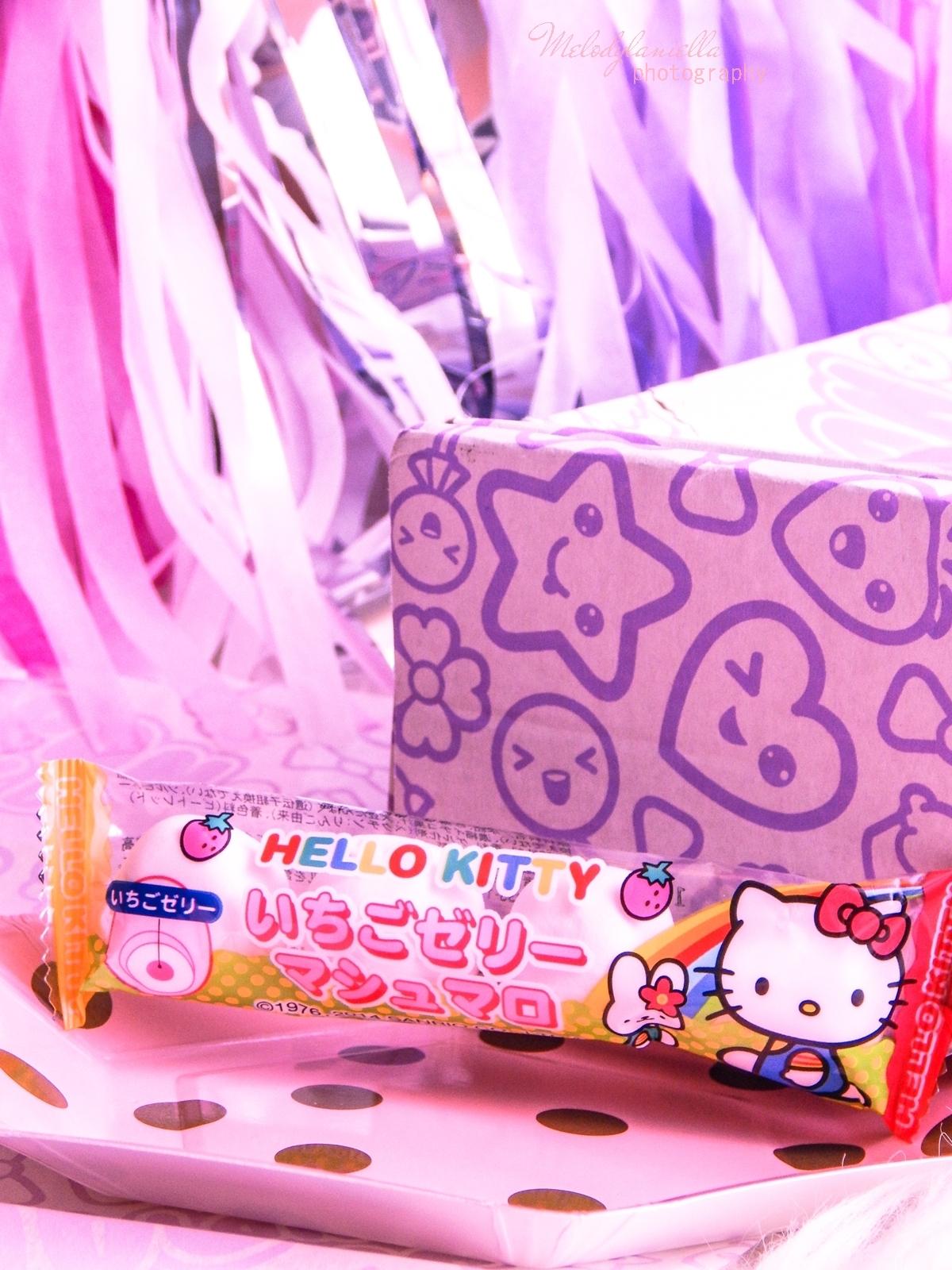 12 melodylaniella partybox japan candy box pudełko pełne słodkości z japonii azjatyckie słodycze ciekawe jedzenie z japonii cukierki z azji boxy z jedzeniem EIWA Hello Kitty Strawberry marshmallows