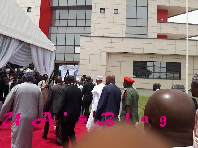 President Buhari Arrives New EFCC Office (Photos)