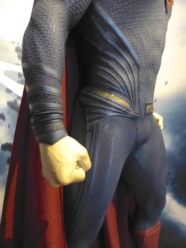 Superman Dawn of Justice costume detail