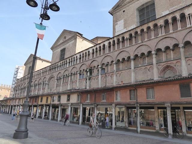 la loggia dei mercanti a Ferrara