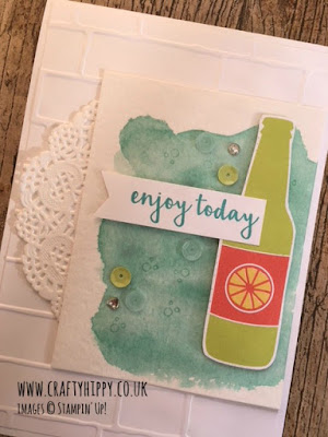 Bubbles & Fizz Designer Series Paper, Stampin' Up! Create this gorgeous card using Bubbles & Fizz DSP and Aqua Painters. www.craftyhippy.co.uk