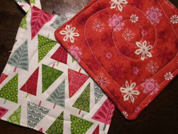 Christmas Pot Holders - Our Handmade Home