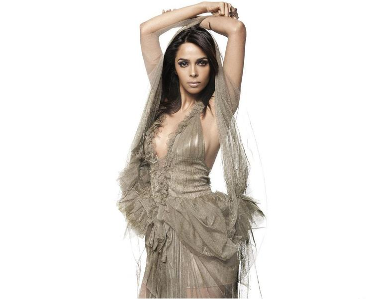 Cine Prime Mallika Sherawat Goes Topless For Fhm-5932