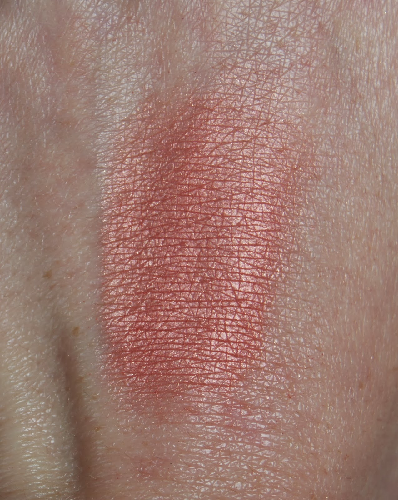 tom ford love lust blush swatch