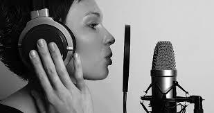 वॉयस ओवर आर्टिस्ट क्या है कमाए 40 से 50 हजार प्रतिमाह Voice Over Artist