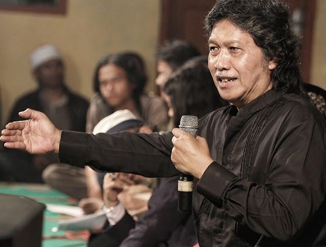 Biografi Cak Nun (Emha Ainun Nadjib) Kyai Kanjeng