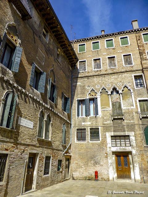Corte Seconda dei Milion - Cannregio, Venecia por El Guisante Verde Project