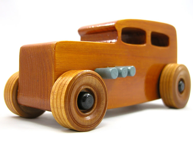 Wooden Toy Car - Hot Rod Freaky Ford - 1932 Sedan - Amber Shellac - Grey - Black - NIKON E5700
