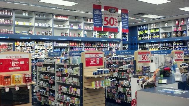 Compra de suplementos na Vitamin Shoppe em San Diego