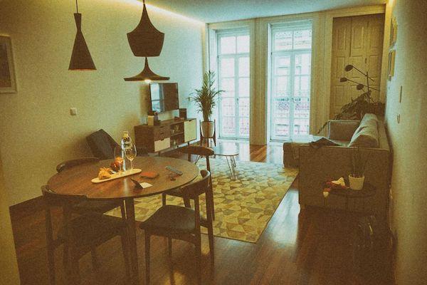 部屋は1ベッドルームで、2泊だけではもったいないくつろぎの空間