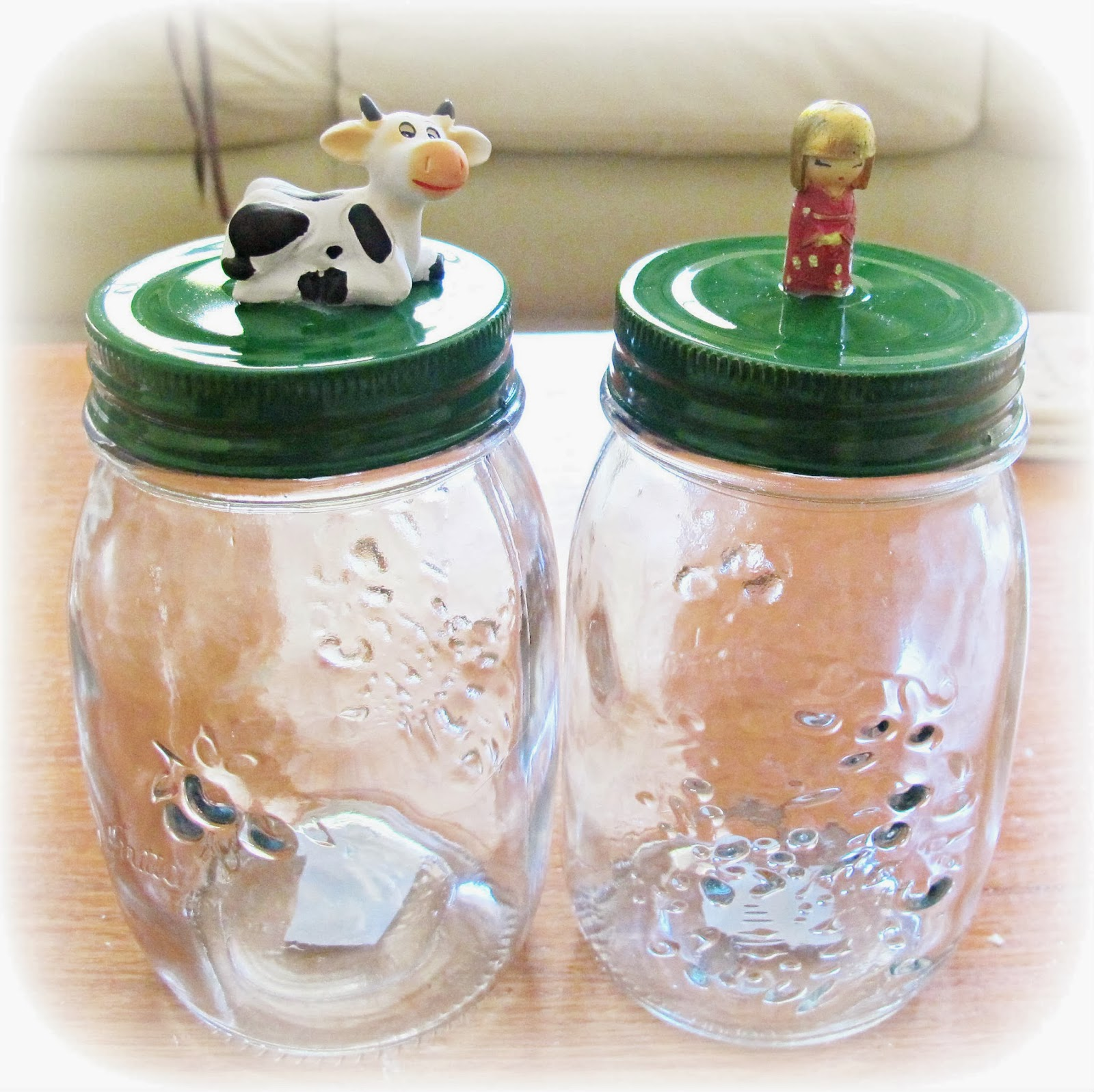 image tutorial diy decorated jars painted lids glue figurines to the painted lid
