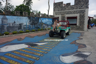 Mobil Jeep Merapi Lava Tour
