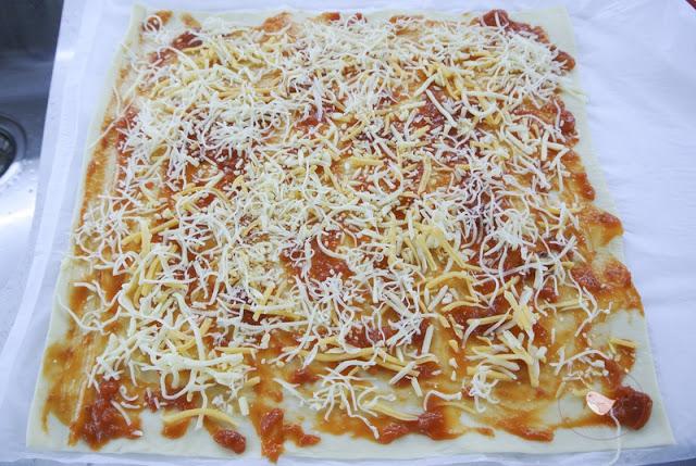 masa extendida hojaldre pizza
